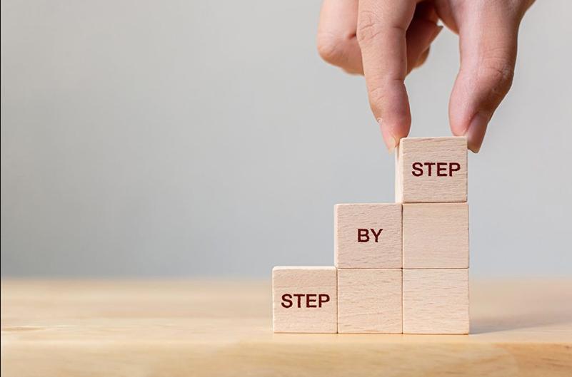 Cele patru etape ale creșterii personale prin care trec toți milionarii